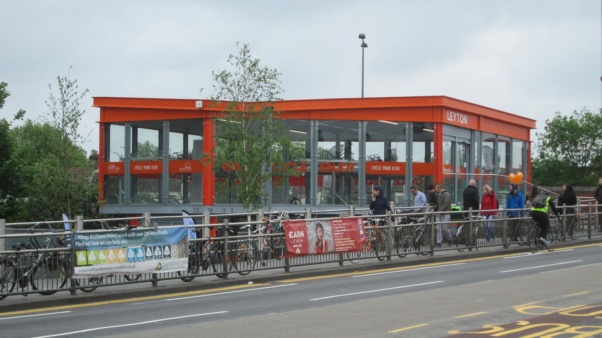 leyton cycle hub  u2013 the first secured by design cycle hub
